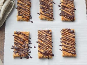 Dark Chocolate Peantu Butter Oat Bars