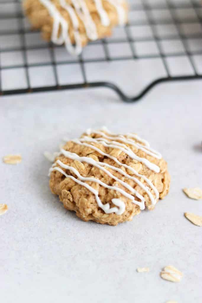 Cinnnamon Roll Oatmeal Breakfast Cookies. Cinnamon rolls in the form of a cookie? That's right! Maple sweetened and with Greek Yogurt Drizzle. Be Whole. Be You.
