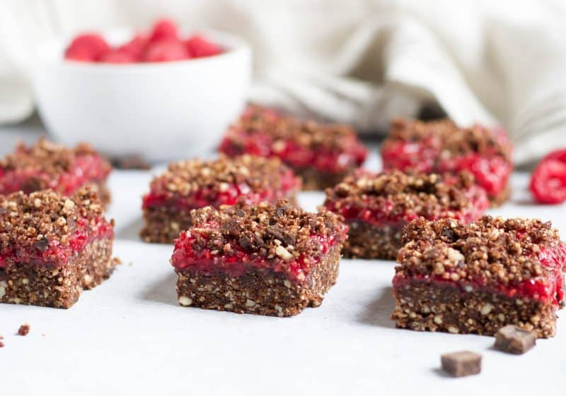 No Bake Double Chocolate Raspberry Crumble Bars. This no bake sweet treat is for all chocolate lovers! Fresh raspberry chia jam and chocolatey crumble topping will satisfy the strongest sweet tooth.