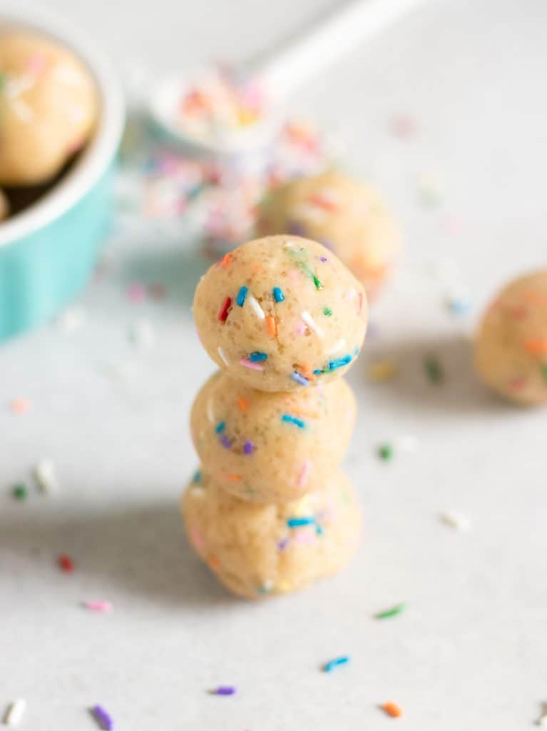 Funfetti Cookie Dough Bites. Eggless sugar cookie dough packed with rainbow sprinkles. Cookie dough you can eat straight from the bowl! #cookiedough #funfetti #funfetticookies #sprinkles #nobake #simplerecipe