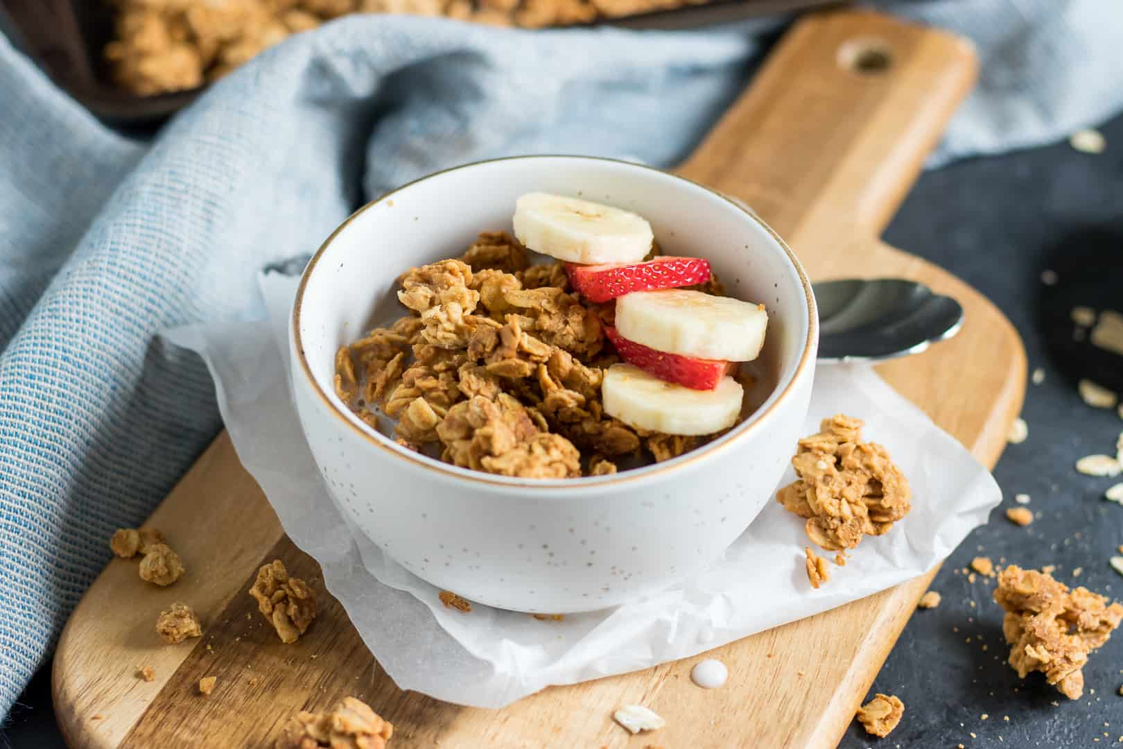 Simple Crunchy Peanut Butter Granola