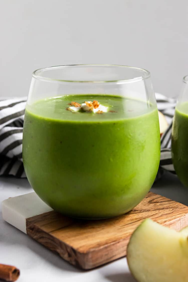 Apple green Smoothie in glass.