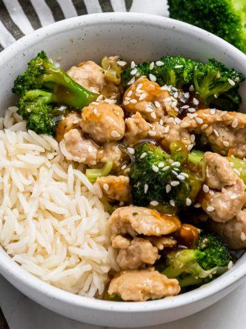 Ground turkey stir fry with broccoli and sesame seeds.